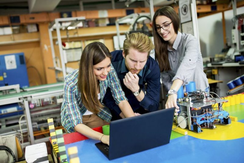 ¿Por qué la robótica es ideal para la educación tecnológica?